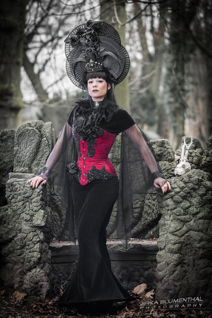 Queen of darkness #2