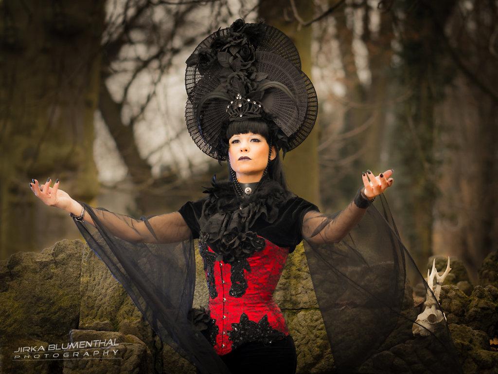 Queen of darkness #3