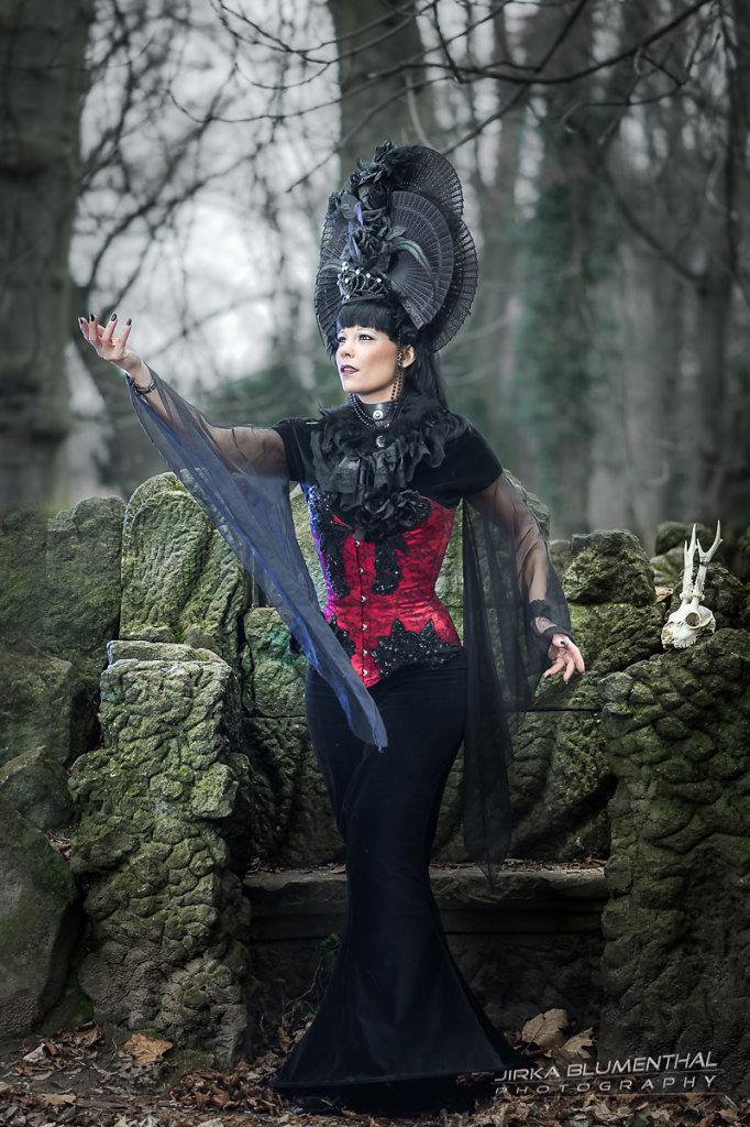 Queen of darkness #5